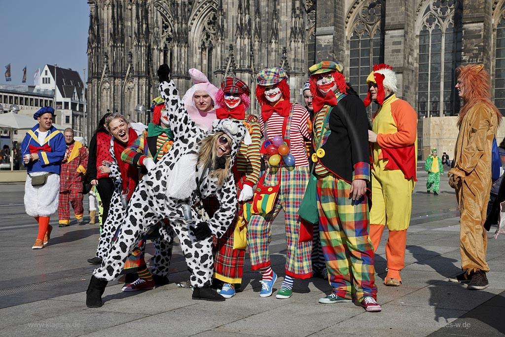 Schminktipps Zu Karneval So Können Sie Narben Schminken Pictures to ...